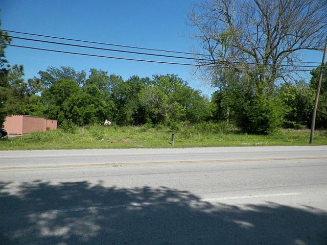 803 N Main Street, Highlands, TX 77562 (MLS #20719516) :: Giorgi Real Estate Group