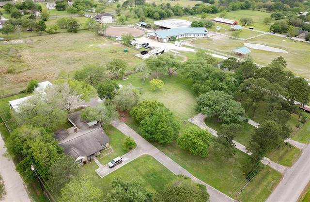 1840 Westfield Lane, Friendswood, TX 77546 (MLS #20763672) :: Christy Buck Team