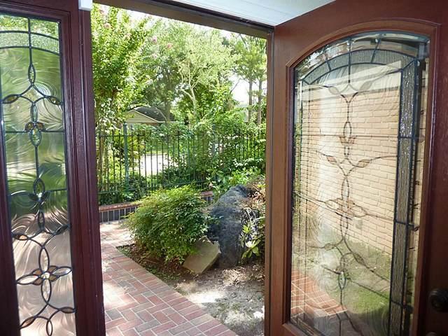 4910 Imogene Street, Houston, TX 77096 (MLS #20800633) :: The Home Branch