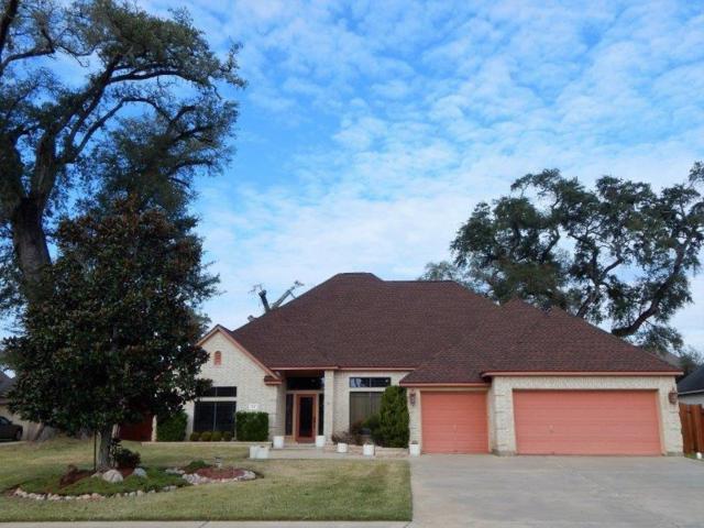 110 Canyon Oak Dr, Lake Jackson, TX 77566 (MLS #20845786) :: Texas Home Shop Realty