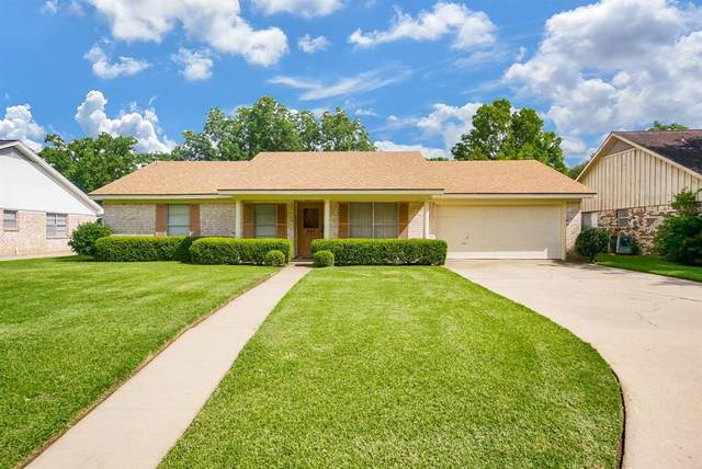 801 Country Club Drive, Richmond, TX 77469 (MLS #20909701) :: TEXdot Realtors, Inc.