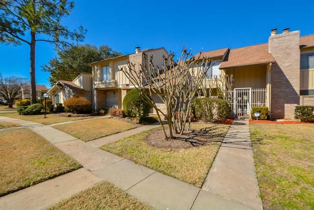 2948 Windchase Boulevard #9, Houston, TX 77082 (MLS #20955994) :: Michele Harmon Team