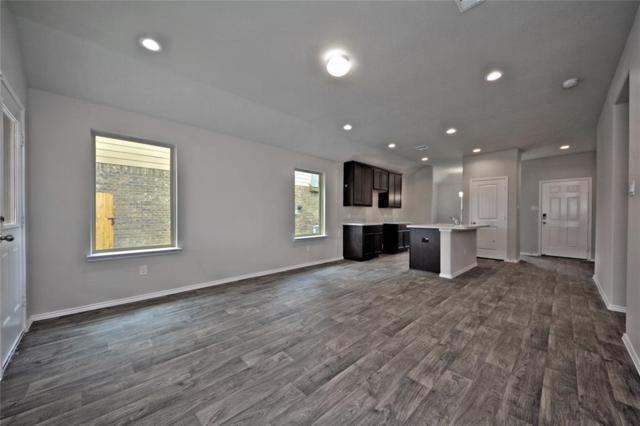 615 Green Clover, Rosharon, TX 77583 (MLS #21243418) :: Texas Home Shop Realty