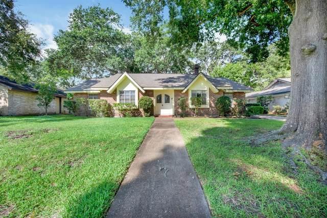 18302 Hereford Lane, Houston, TX 77058 (MLS #21268652) :: Lerner Realty Solutions