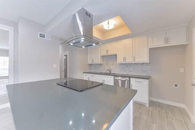 7700 Creekbend Drive #8, Houston, TX 77071 (MLS #21381493) :: Texas Home Shop Realty