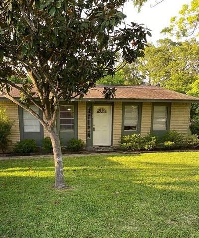 404 Bay Oaks Drive, La Porte, TX 77571 (MLS #21403873) :: The SOLD by George Team