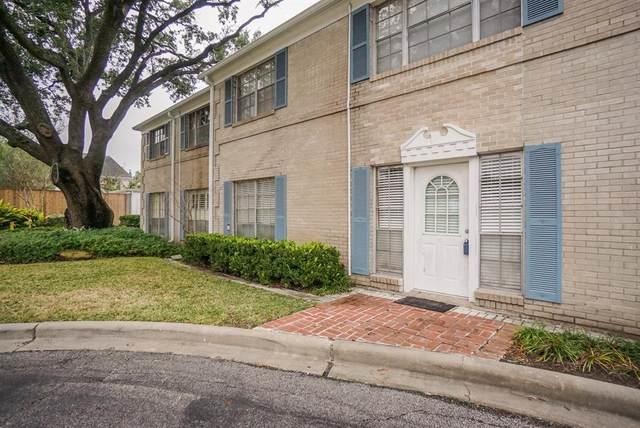 2600 Bellefontaine Street D11, Houston, TX 77025 (MLS #21456105) :: The Bly Team
