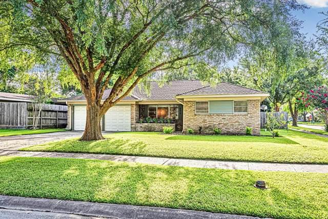 8829 Robindell Drive, Houston, TX 77074 (#21460278) :: ORO Realty