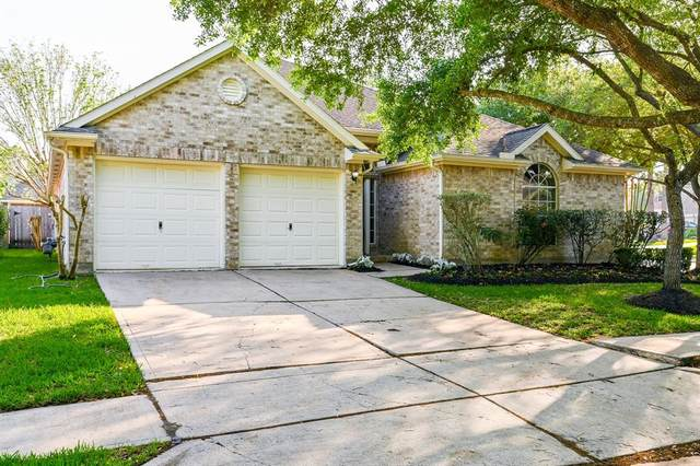 2002 Legend Grove Court, Houston, TX 77062 (MLS #21481442) :: The Bly Team