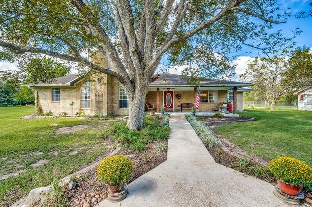 4718 Woodland Lane, Old River-Winfree, TX 77535 (MLS #21549820) :: Connect Realty