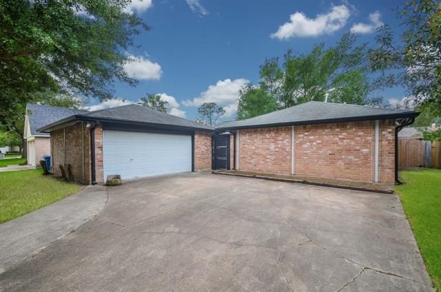 7910 Corrales Drive, Houston, TX 77083 (MLS #21565307) :: Caskey Realty