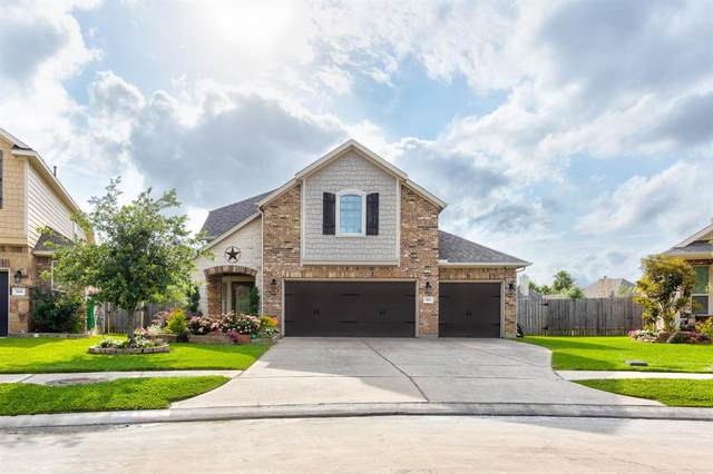 302 Bay Coast Lane, La Porte, TX 77571 (MLS #21587978) :: The Queen Team