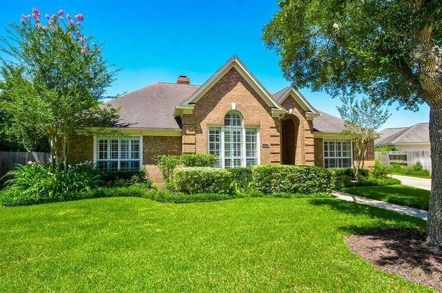 4407 Danbury Lane, Sugar Land, TX 77479 (MLS #21950424) :: Christy Buck Team