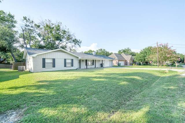 107 York Drive, Madisonville, TX 77864 (MLS #22039094) :: The Bly Team
