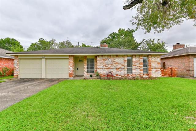 16731 Townes Road, Friendswood, TX 77546 (MLS #22325993) :: The SOLD by George Team