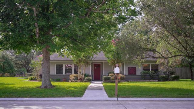 201 W Shadowbend Avenue, Friendswood, TX 77546 (MLS #22559341) :: Texas Home Shop Realty