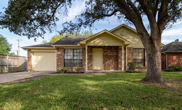 2915 County Road 855B, Alvin, TX 77511 (MLS #2274342) :: The Freund Group