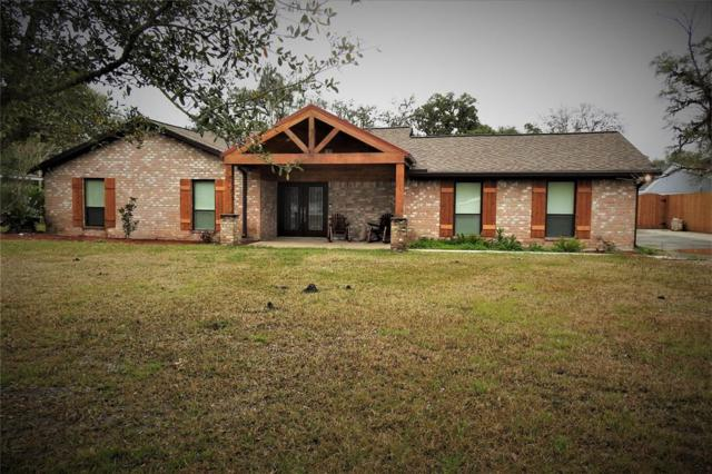 59 Robinhood Lane, Clute, TX 77531 (MLS #22756435) :: The Bly Team