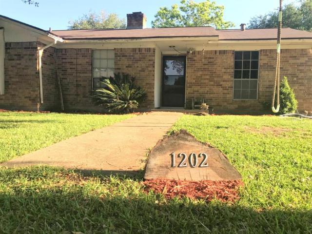 1202 Kingston Drive, Wharton, TX 77488 (MLS #22897816) :: Christy Buck Team