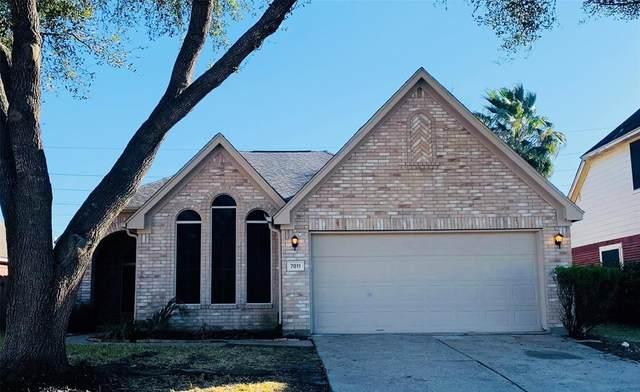 7011 Pleasant Oak Court, Richmond, TX 77407 (MLS #22900567) :: The Sansone Group