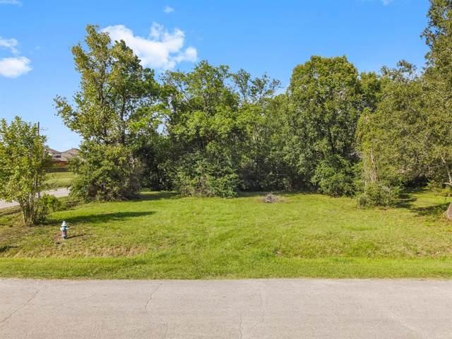 000 River Ridge, Conroe, TX 77385 (MLS #2299153) :: My BCS Home Real Estate Group