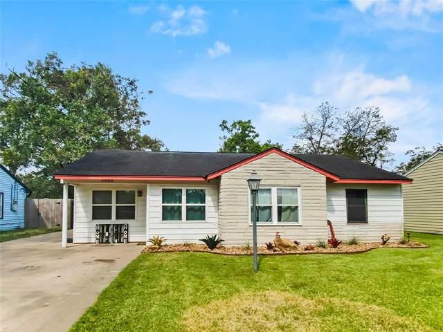 1025 San Felipe Street, Angleton, TX 77515 (MLS #23029543) :: Giorgi Real Estate Group