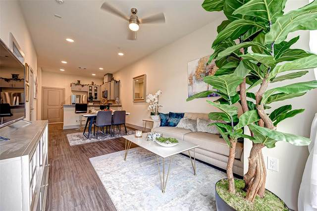 6955 Turtlewood Drive S #102, Houston, TX 77072 (MLS #23221271) :: My BCS Home Real Estate Group