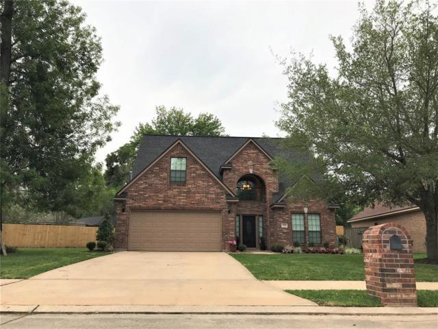 135 Sugar Cane Circle, Lake Jackson, TX 77566 (MLS #23237924) :: Texas Home Shop Realty