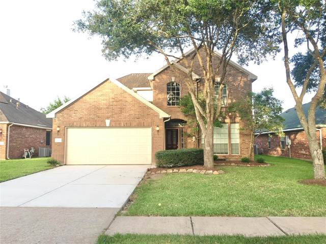 3313 Beacon View Court, Pearland, TX 77584 (MLS #23525740) :: The Queen Team