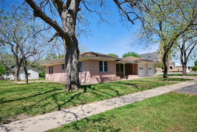 505 N Pecan, Moulton, TX 77975 (MLS #23546671) :: The Home Branch