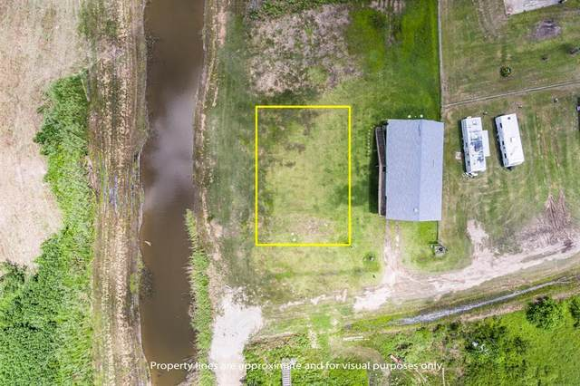 912 Trout, Crystal Beach, TX 77650 (MLS #23612211) :: Lerner Realty Solutions
