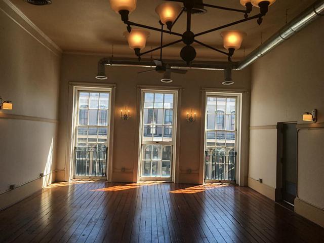 2016 Strand Street #2, Galveston, TX 77550 (MLS #23694435) :: Carrington Real Estate Services