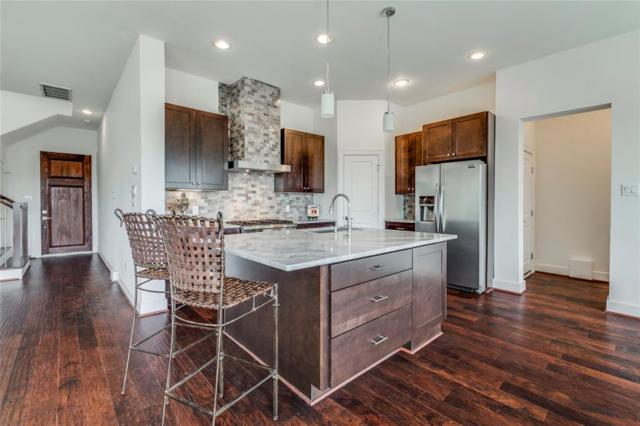 2055 W 14th 1/2 Street, Houston, TX 77008 (MLS #23795698) :: The SOLD by George Team