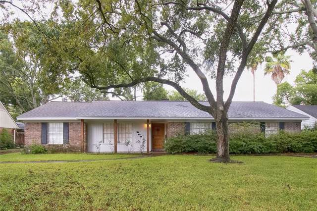 209 Bayou View Drive, Seabrook, TX 77586 (MLS #23896373) :: The Sold By Valdez Team