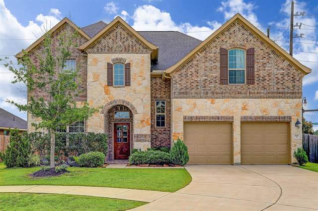 2117 Rolling Hills Drive, Pearland, TX 77581 (MLS #24011840) :: The Andrea Curran Team powered by Styled Real Estate