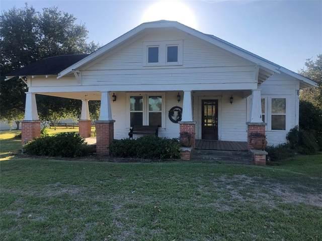 186 Cr 957W, Hallettsville, TX 77964 (MLS #24113980) :: The Freund Group