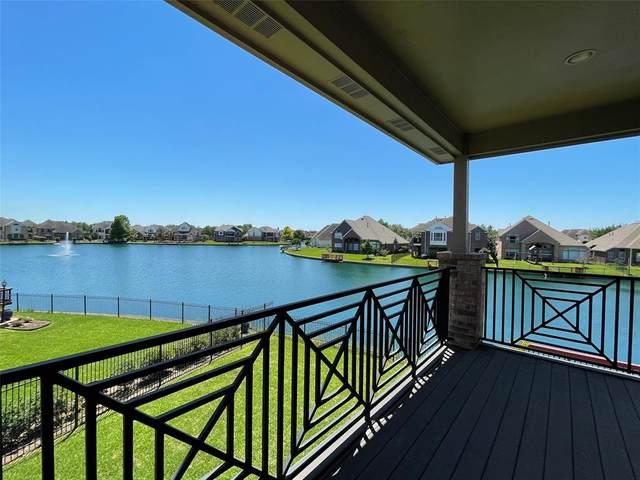 5930 Garden Hills Drive, Sugar Land, TX 77479 (MLS #24273415) :: The SOLD by George Team