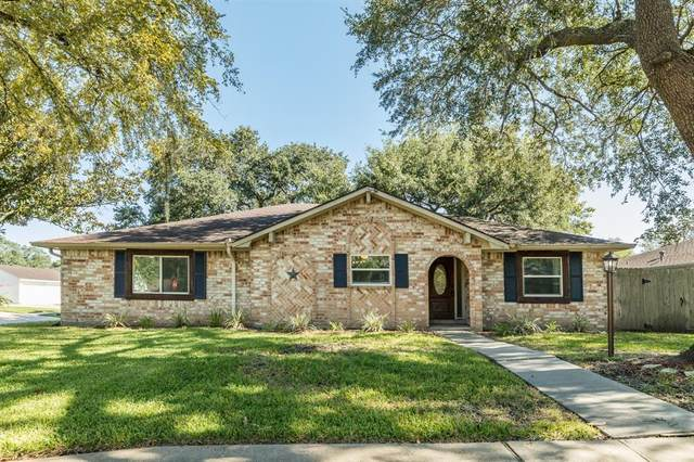 15703 Wandering Trail, Friendswood, TX 77546 (MLS #24389975) :: The Freund Group