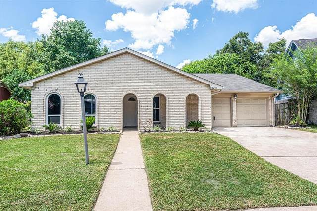 12210 Preakness Way, Houston, TX 77071 (MLS #24402033) :: The Home Branch