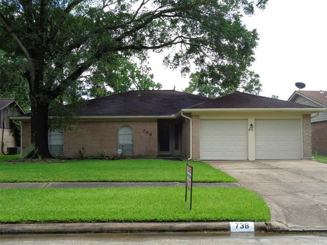 738 Seacliff Drive, Houston, TX 77062 (MLS #24416470) :: The SOLD by George Team
