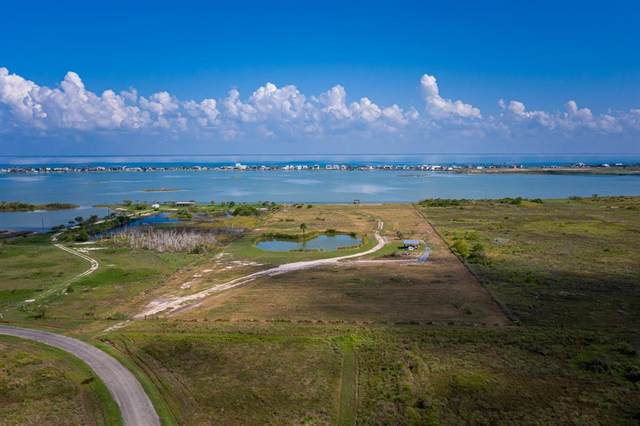522 E Sagebrush Drive, Rockport, TX 78382 (MLS #24547464) :: The Sansone Group