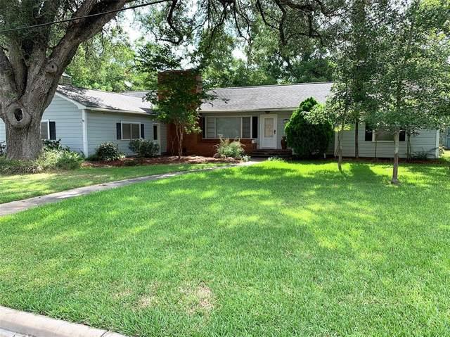 1703 Travis Street, Columbus, TX 78934 (MLS #24742304) :: The SOLD by George Team