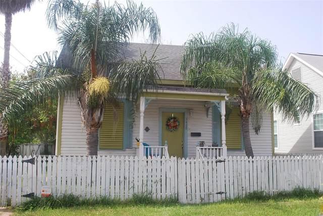 3428 Avenue P 1/2, Galveston, TX 77550 (MLS #24971850) :: The Bly Team