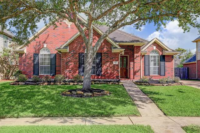2612 Dixie Woods Drive, Pearland, TX 77581 (MLS #25013785) :: Christy Buck Team