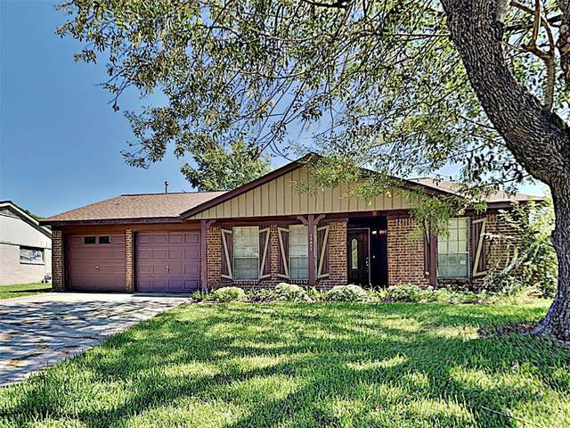 12011 Mulholland Drive, MEADOWS Place, TX 77477 (MLS #25050165) :: The SOLD by George Team