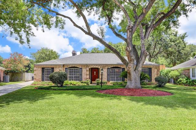13822 Oakwood Lane, Sugar Land, TX 77498 (MLS #25328618) :: The Heyl Group at Keller Williams