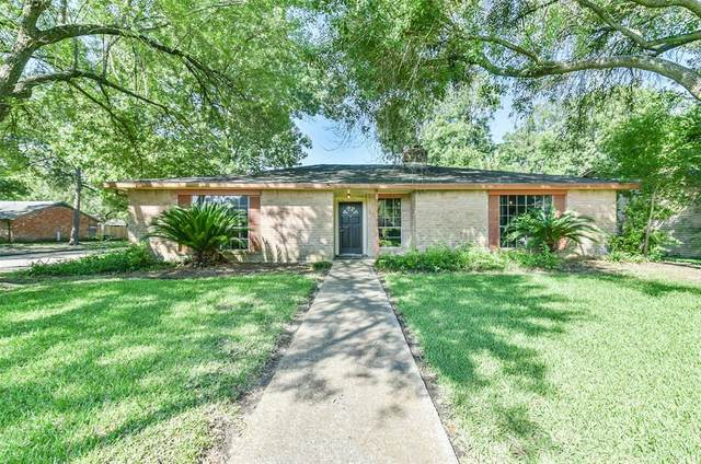 17022 Forest Bend Avenue, Friendswood, TX 77546 (MLS #25352680) :: Texas Home Shop Realty