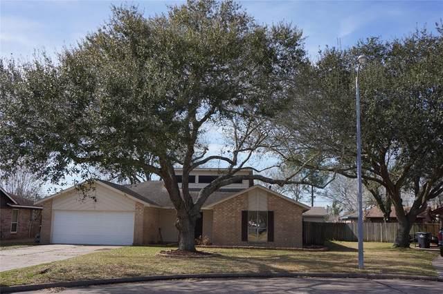 1015 Stevenwood Lane, Alvin, TX 77511 (MLS #25434057) :: The Sansone Group