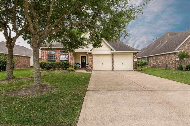 2241 Waxwing Drive, League City, TX 77573 (MLS #2556239) :: Texas Home Shop Realty