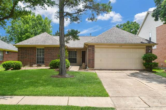 4519 Russett Place N, Pearland, TX 77584 (MLS #25613912) :: The Wendy Sherman Team